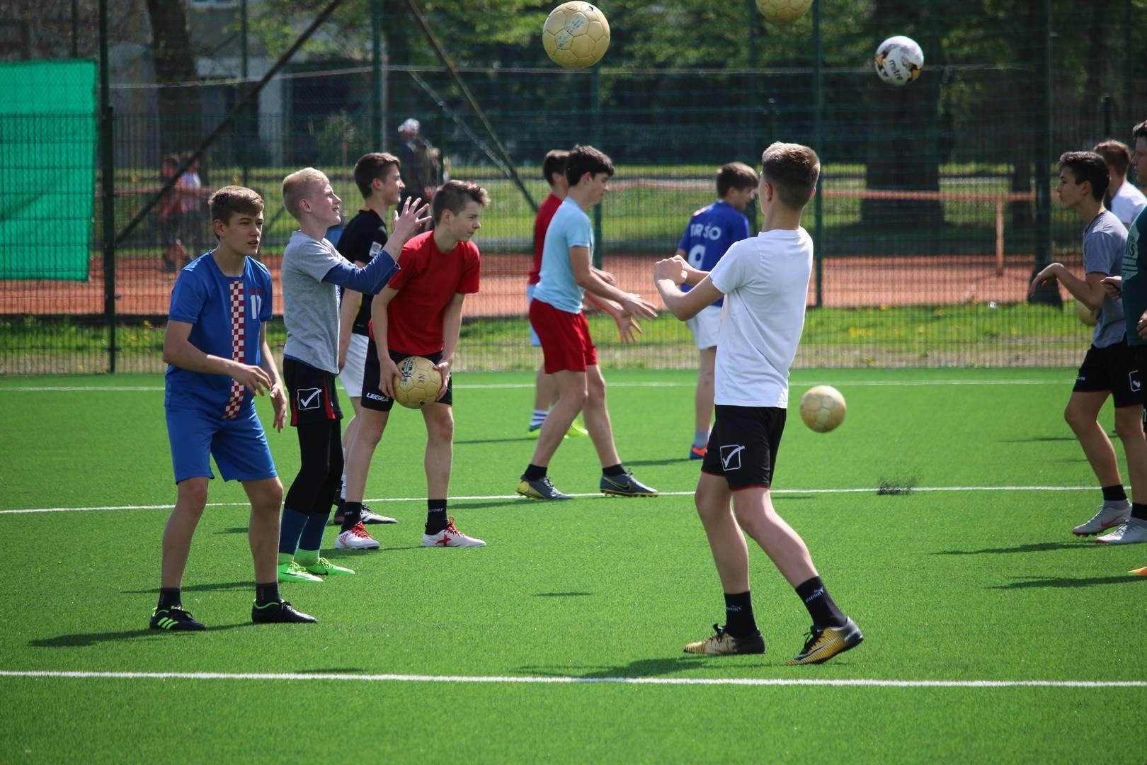 Stariji pioniri Škole nogometa grada Đurđevca odradili tehničko-taktički trening