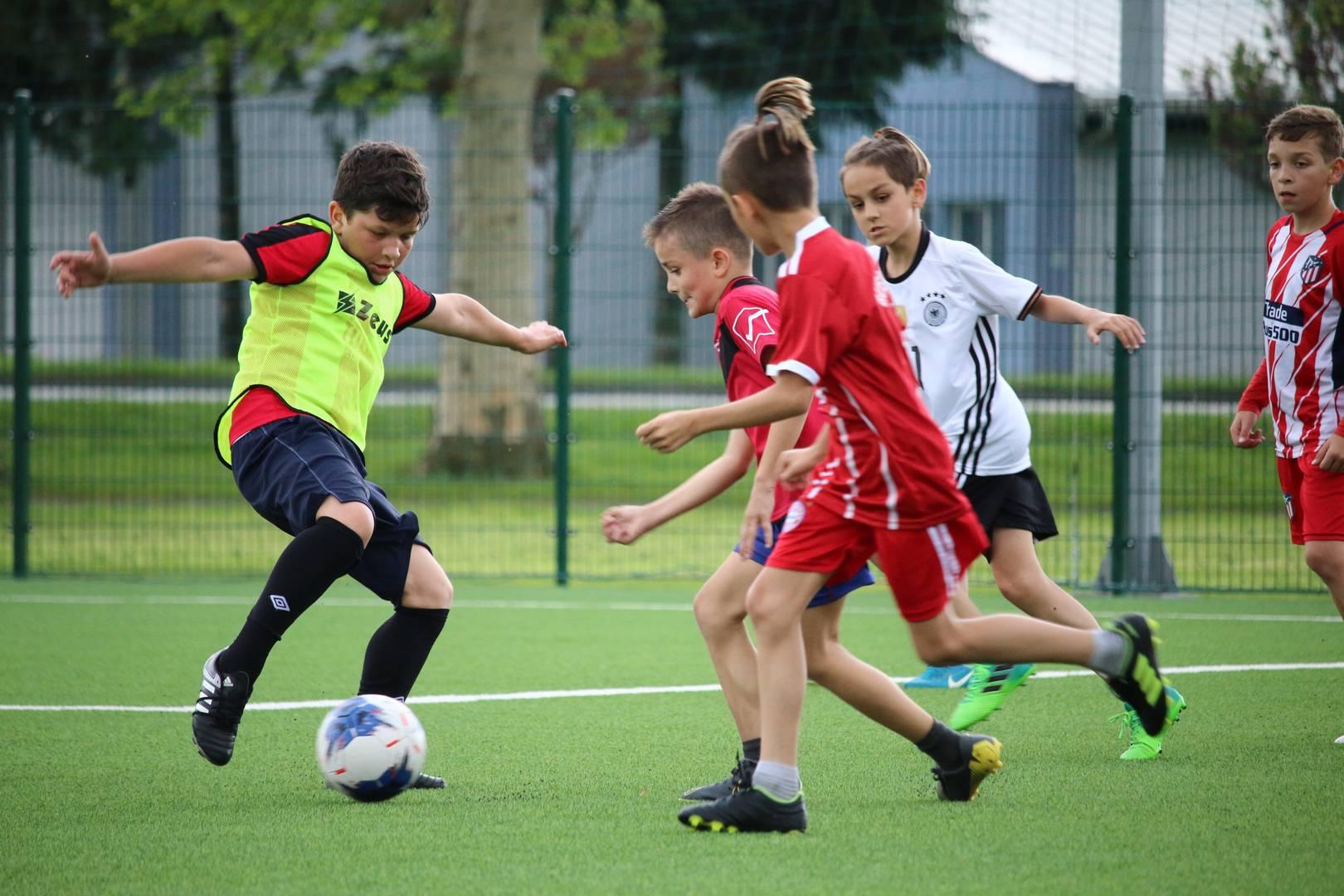 Mlade nogometne nade brusile vještine pod vodstvom trenera Vedriša