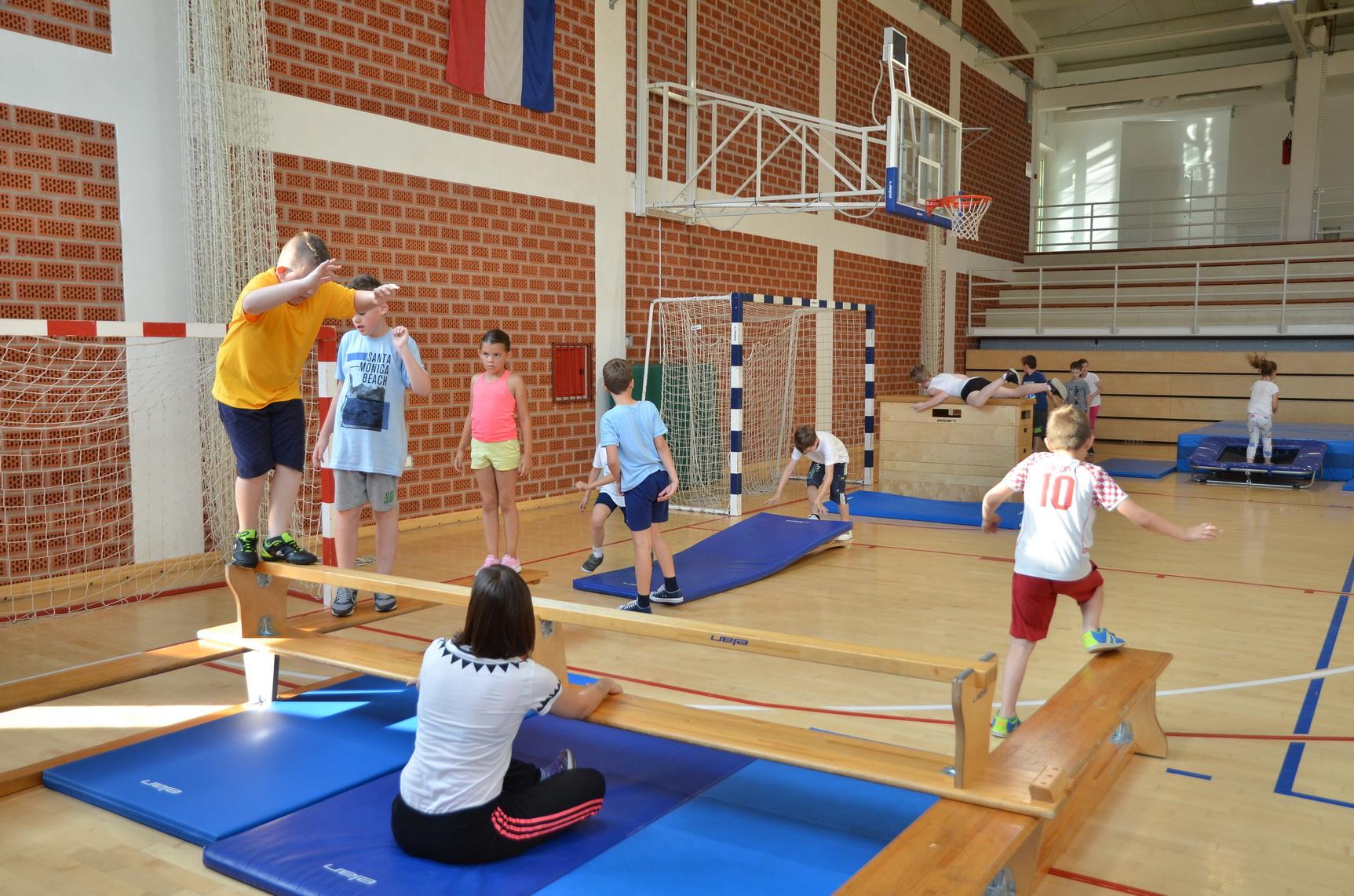 Klinci uživali na još jednom treningu Mješovite sportske škole