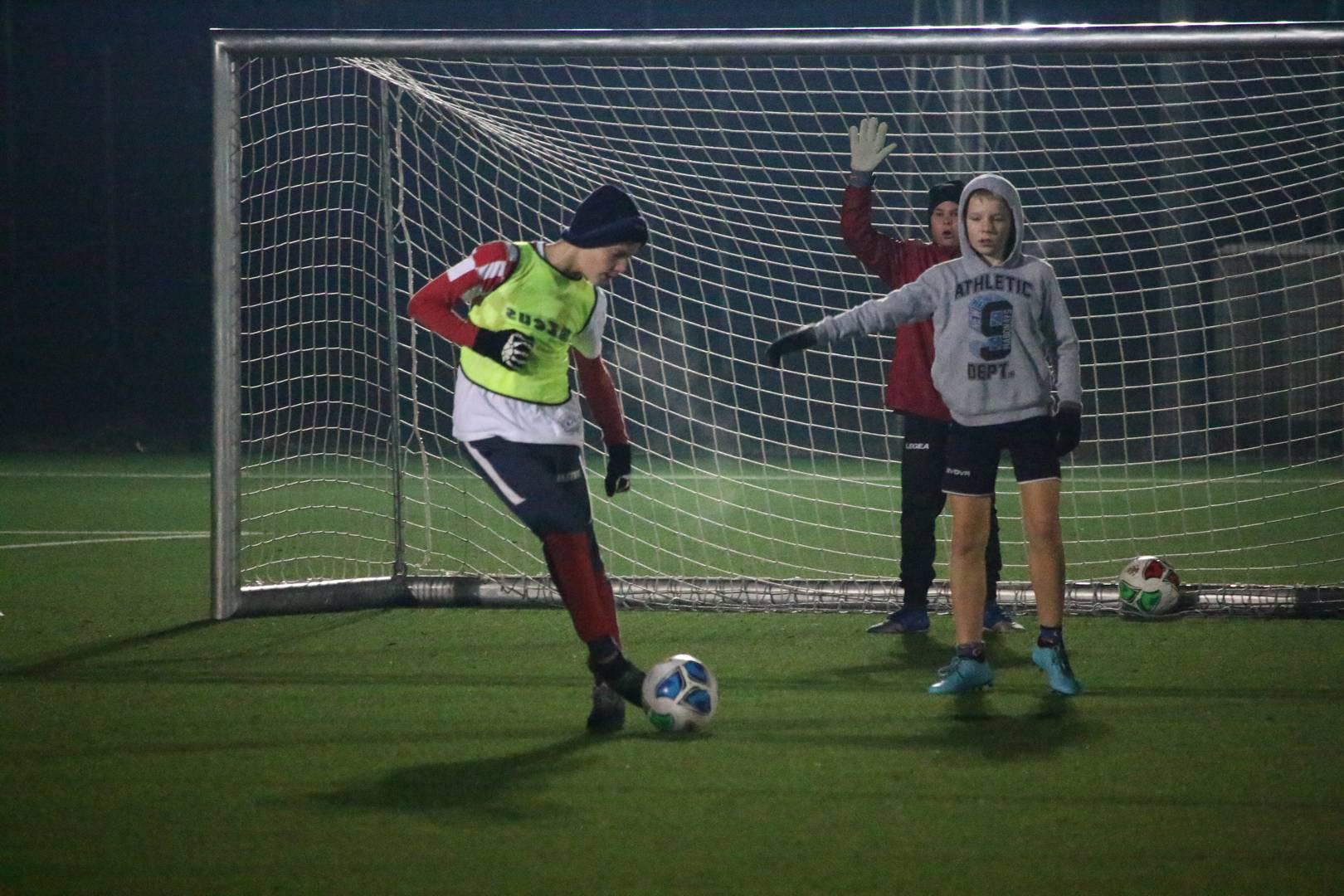 Ni niske temperature nisu spriječile mlade nogometaše da odrade trening