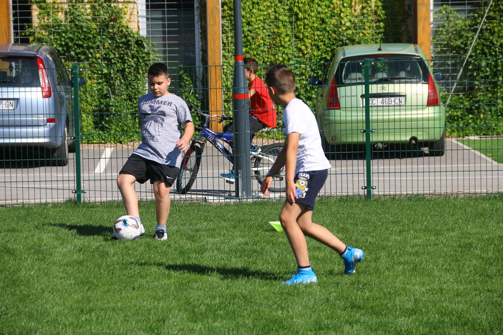 Mladi nogometaši pod vodstvom Darka Dergeza uživali na još jednom treningu